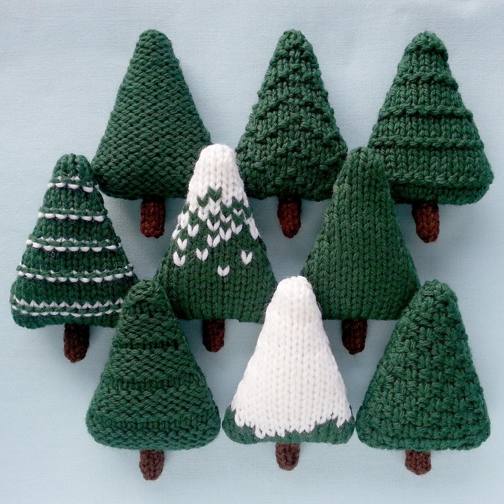 Christmas tree knitting | LoveKnitting