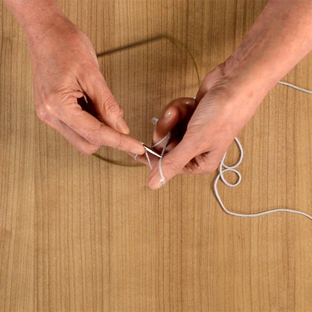 Making a slip knot